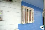 塗替中の外壁